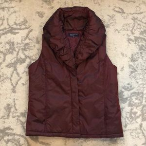 Jones NY Signature pillow puffer vest